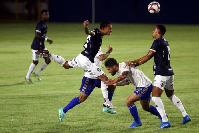 Remo 1×0 Cruzeiro-MG (Erick Flores, Anderson Uchôa e Romércio)