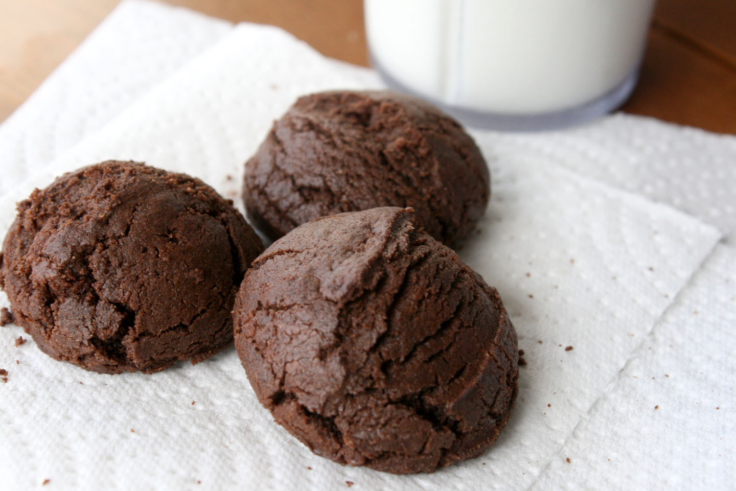 Easy Homemade Chewy Chocolate Cookies