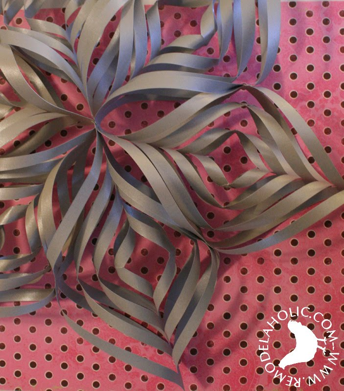 Twisted Paper Snowflake or Diamond