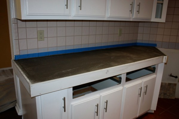 12 DIY Concrete Countertops In A Weekend, By Design Stocker Featured On @Remodelaholic