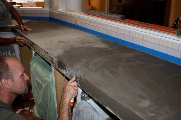 18 DIY Concrete Countertops Are As Beautiful As Granite, By Design Stocker Featured On @Remodelaholic