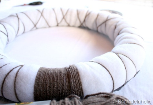 how to make a wreath from Remodelaholic