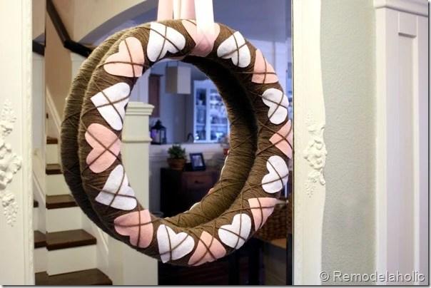 Making an Argyle Valentines wreath (65)