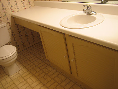 3 Complete bathroom remodel, before picture, by Elizabeth and Co featured on @Remodelaholic
