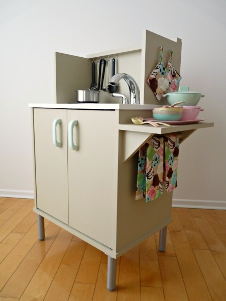 Play Kitchen From Microwave Stand (20)