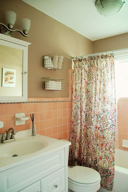 Updating An Old Bathroom With Graoutable Peel And Stick Tiles (1)