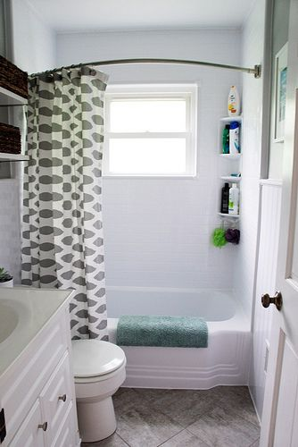 Updating an old bathroom with graoutable peel and stick tiles (11)