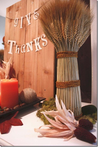 Fireplace-Mantel-for-Thanksgiving-Decorating-natural-mantel-scape (1)