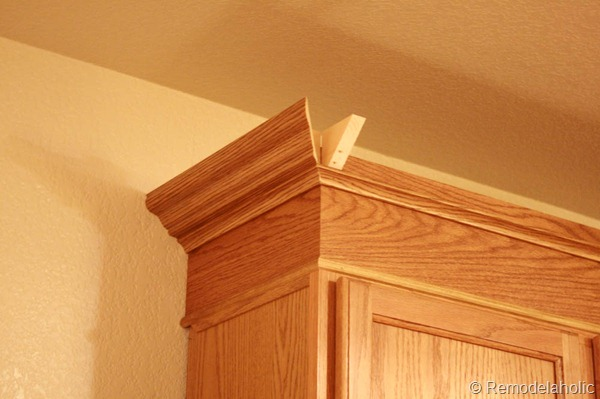 Upgrade Oak Kitchen Cabinets With Crown Moldings-23