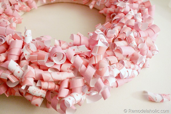 Pink and pretty Paper Curl Valentine Wreath at Remodelaholic.com