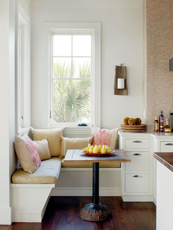 BH&G tiny banquette