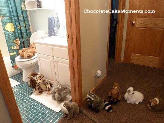 Chocolate Cake Moments animal line