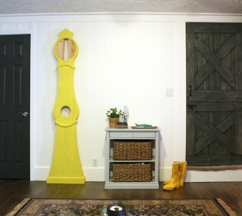 Yellow Swedish clock body