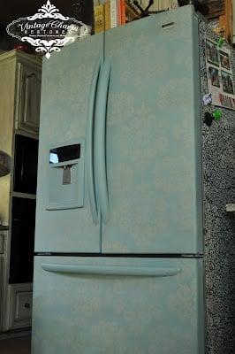 Vintage Charm Restored chalk painted fridge