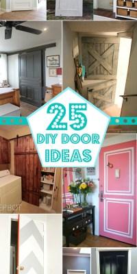 25 DIY Door Ideas @Remodelaholic #christmas