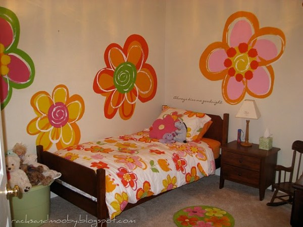big-girl-room-with-hand-painted-flowers-diy-wall-art-projects