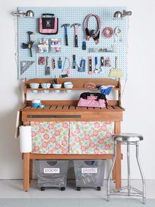 pretty and tidy workbench thumb