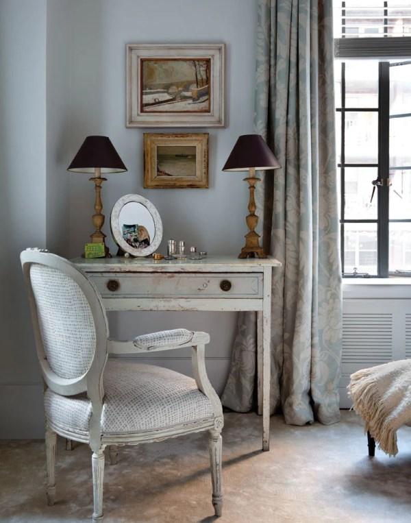 Bedroom Desk, Art Deco Apartment in the El Dorado NYC | Design by Design Development NYC | Photography by Trevor Tondro | featured at Remodelaholic.com #artdeco #design #decor #nyc