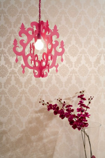 plexiglass diy chandelier style pendant lamp, Shelterness via Remodelaholic
