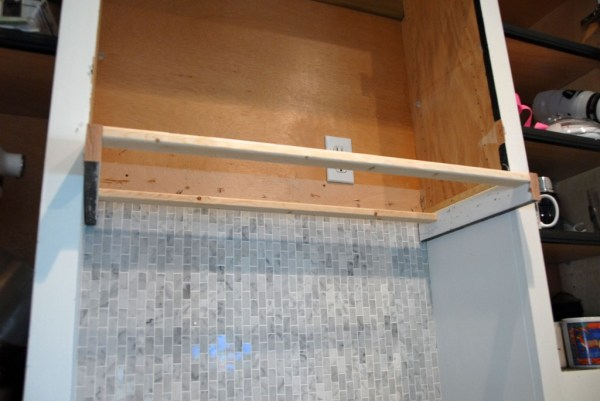 front and back supports on custom range hood, The Rozy Home featured on Remodelaholic