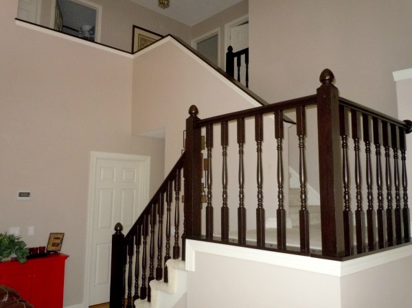 how to stain an oak handrail to dark java using gel stain, Semi-Domesticated Mama featured on Remodelaholic