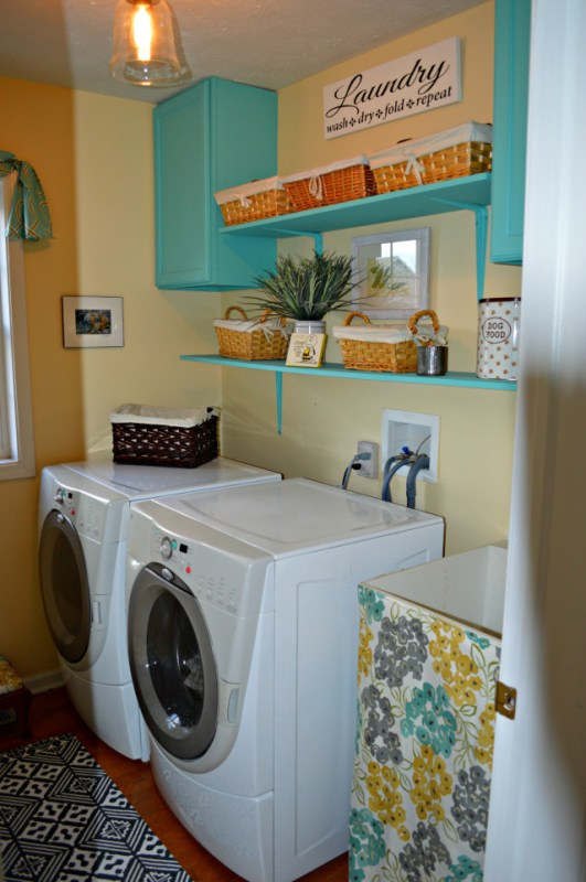 01-17 laundry room, Chernee's House