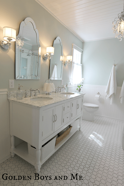 elegant-master-bath-remodel-featured-on-Remodelaholic