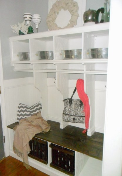DIY Entryway Mudroom with Cubbies, Home Heart and Hands featured on Remodelaholic
