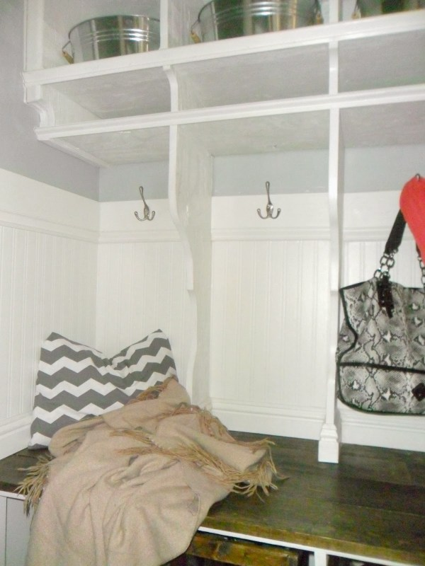 entryway mudroom with bench and cubbies, Home Heart and Hands featured on Remodelaholic