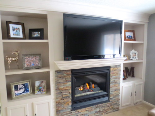fireplace makeover with built-in bookshelves, construction2style on Remodelaholic