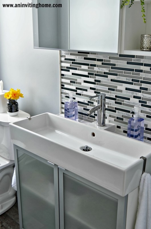 modern bathroom update, An Inviting Home on Remodelaholic