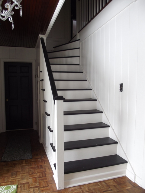 Remodelaholic Black And White Painted Staircase Transformation