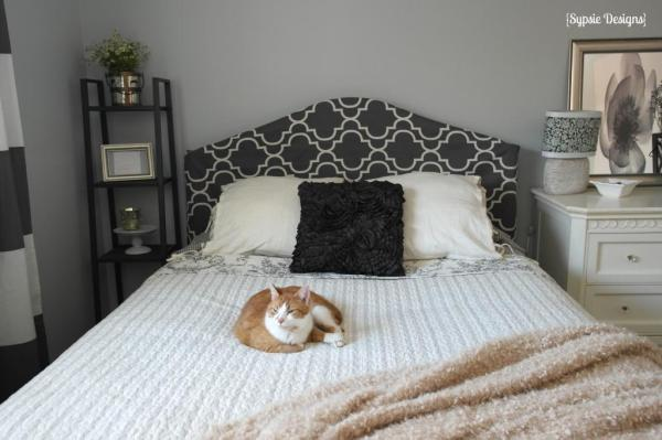 metal headboard makeover with fabric cover, Sypsie Designs on Remodelaholic