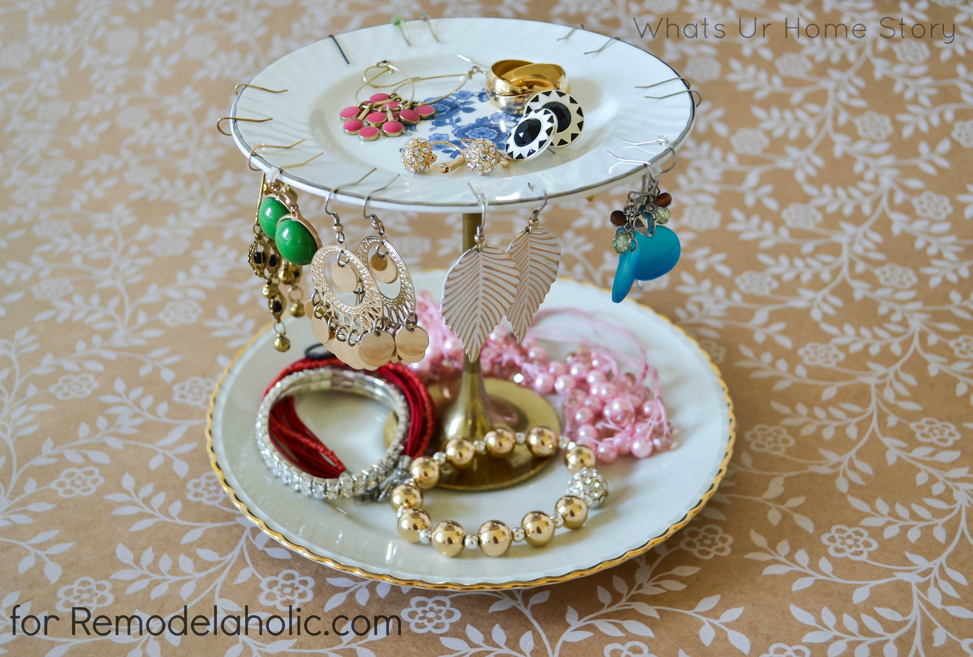 Jewelry stand diy on Remodelaholic.com