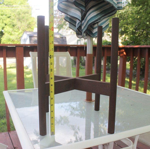 How to Build a Planter Stand   Home Coming for Remodelaholic.com