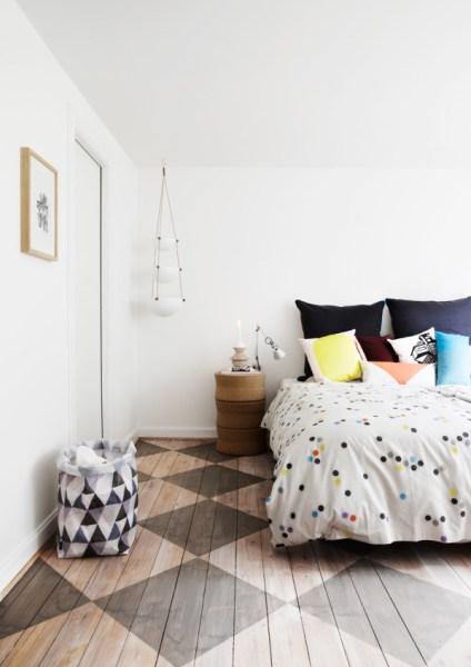 oversized-pillows-headboard-design-milk