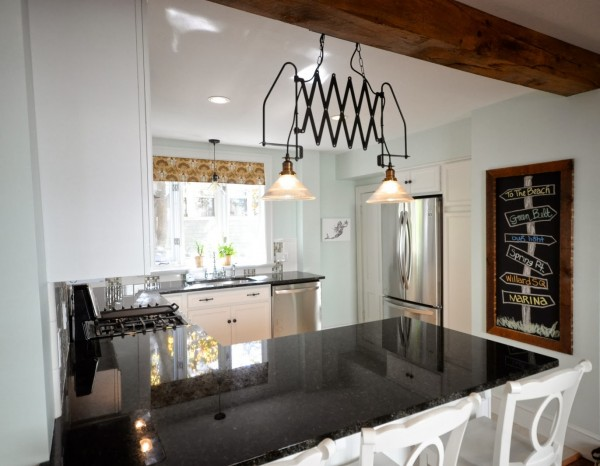 peninsula kitchen layout via Remodelaholic