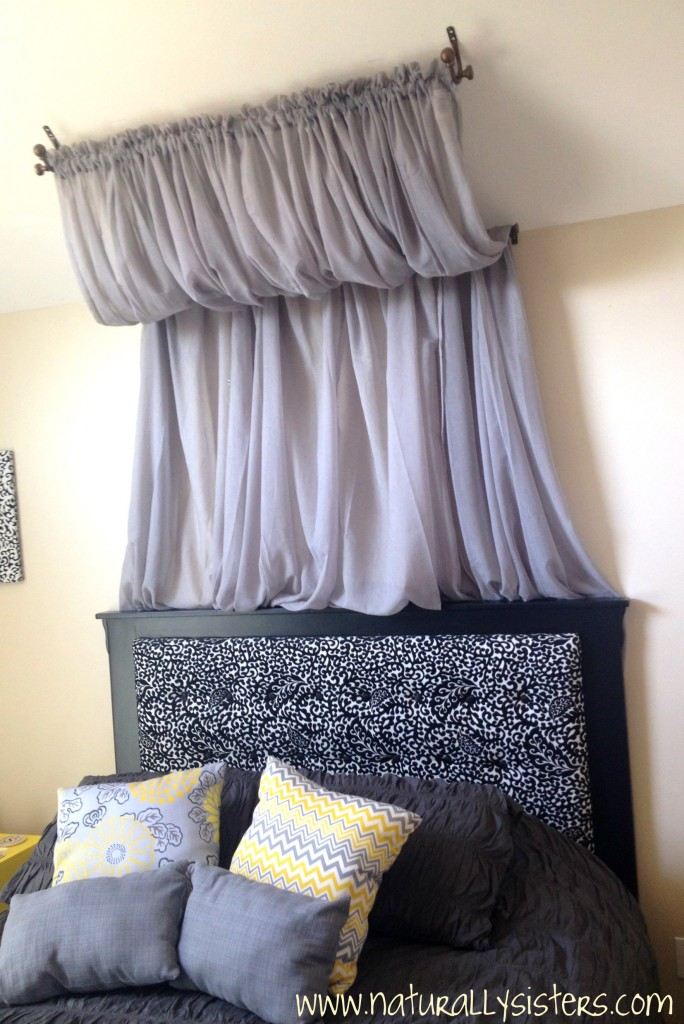 sloped-ceiling-canopy-naturally-nesters & Remodelaholic | 25 Beautiful Bed Canopies You Can DIY