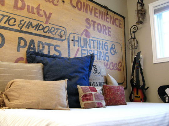 vintage-sign-headboard-design-swan
