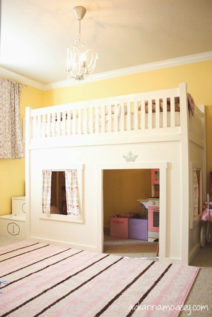 Princess Bedroom and Toy Organization