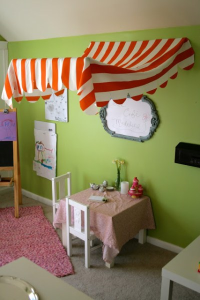 kids cafe play area