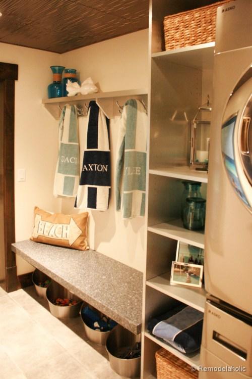 Very Cute Mudroom Laundry Room