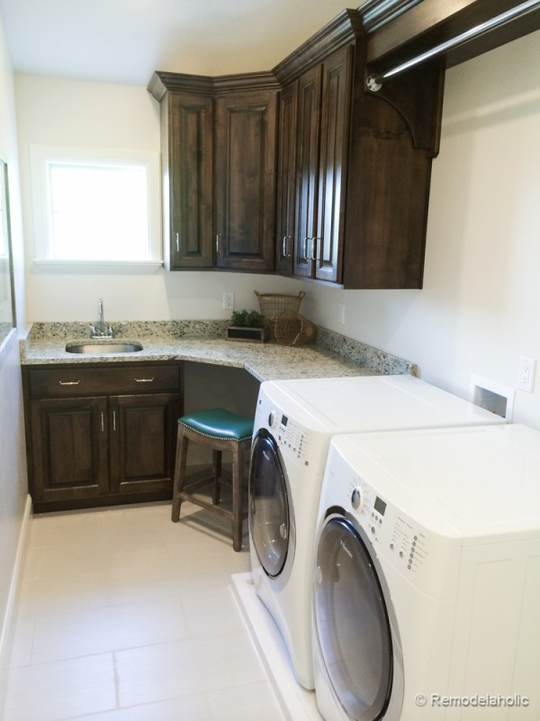 Fabulous Laundry room design ideas from @Remodelaholic
