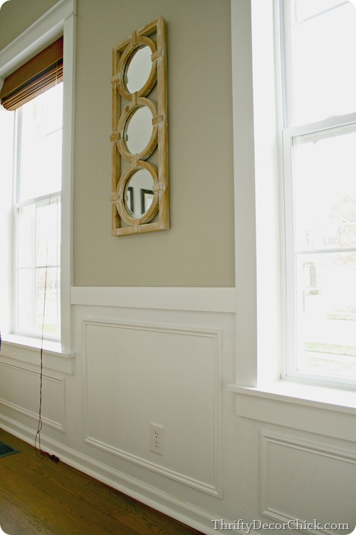 Thrifty Decor Chick how to trim windows to match chair rail wainscoting via Remodelaholic