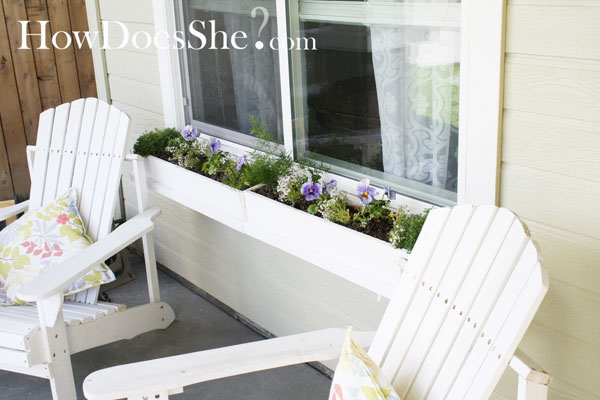 diy flower box for curb appeal on Remodelaholic