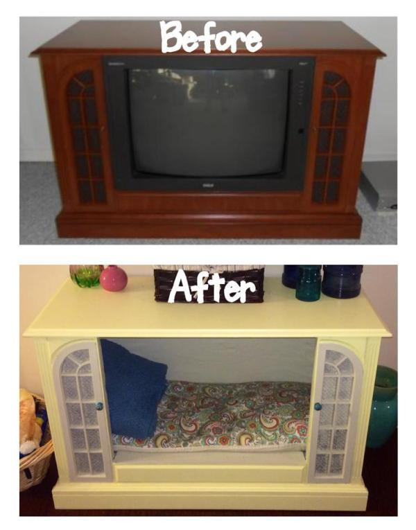 Console TV to Doggie Bed | Reader projects featured on Remodelaholic.com #diy #remodelaholic