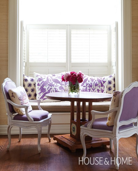 House and Home - purple window seat built-in with shutters via @Remodelaholic
