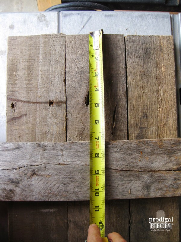 spacing cross pieces on interior barn wood shutters, Prodigal Pieces on Remodelaholic