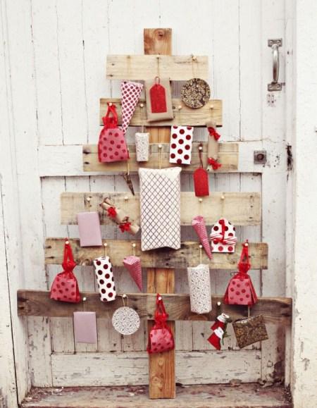 advent calendar pallet tree