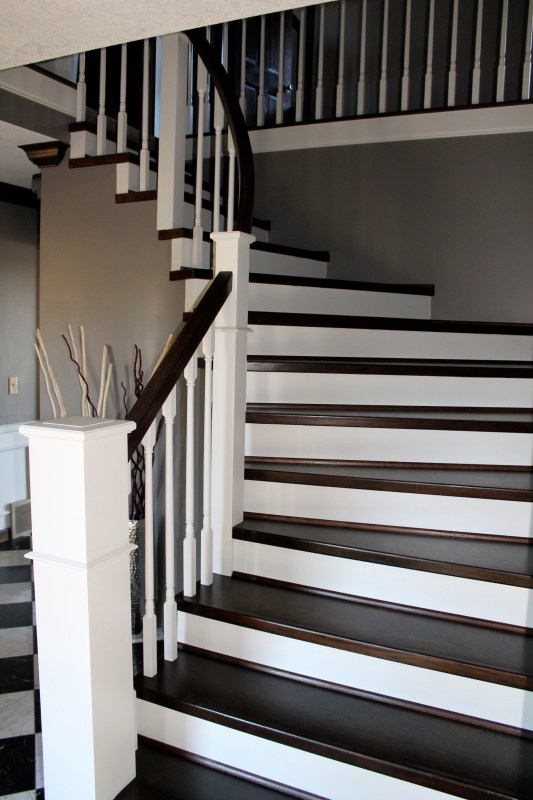 curved staircase remodel finished - Construction2Style via @Remodelaholic